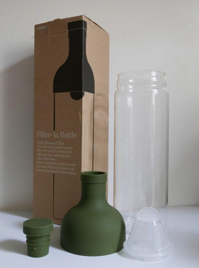 Les différents pièces de la bouteille à thé Hario.