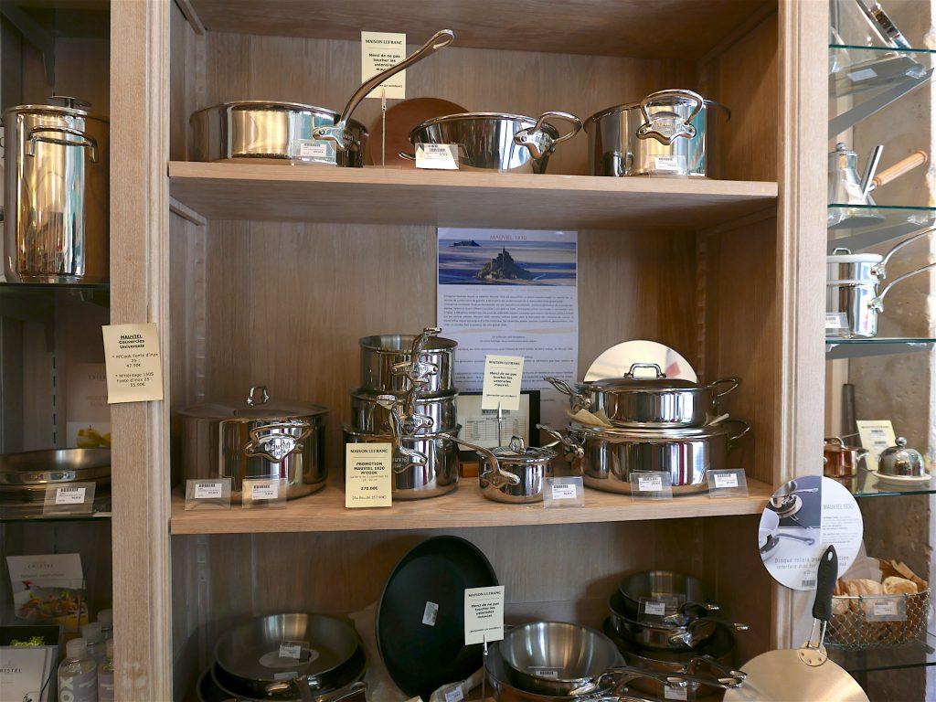 Le rayon des produits Mauviel chez la Maison Lefranc