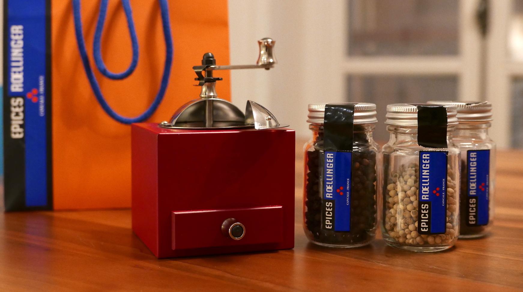Superbe idée de cadeau pour Noël : le moulin à poivres Olivier Roellinger fabriqué par Peugeot
