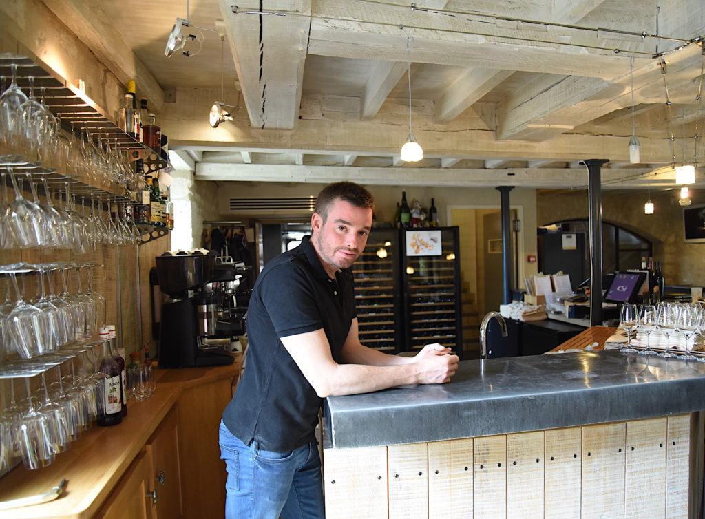Fabien España portrait au bar Au Fil du Zinc
